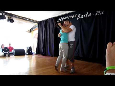 Taller de Bachata de Kike y Fania (Algeciras Baila 2012) (видео)