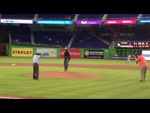 Marlins - Former WCW and WWE superstar Bill Goldberg throws out the first pitch to jump start the Legends of Wrestling Night at Marlins Park. The promotion was in conj...