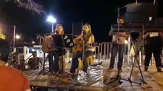 Antoniela e Heloísa cantando no 1° Arraiá Fest de Montese