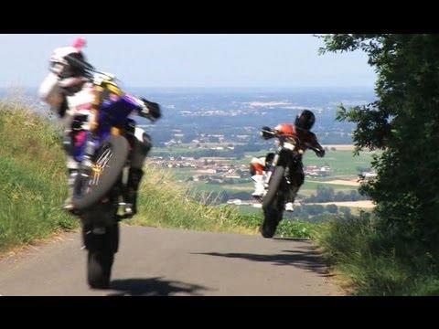 MOTO JOURNAL VOUS SOUHAITE UNE BONNE ANNEE 2012 !