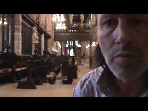 毛毛的!!!拍攝教堂畫面意外發現晃過恐怖黑影,攝影機全錄下!!