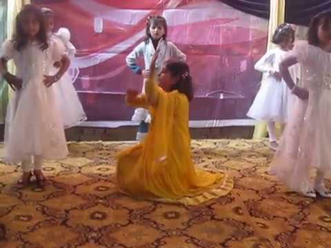 Video Dance on Tere Bina Jeena   Bin Roye   Two Class Students of Oxford Grammar School Gatti Faisalabad download in MP3, 3GP, MP4, WEBM, AVI, FLV January 2017