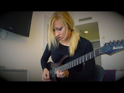 SEXIEST Female rocker alive NITA STRAUSS feat Courtney Cox- 2 very Hot girls!