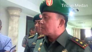 Video Mengenai Seragam Demokrat Eli Mengamuk di Depan TNI MP3, 3GP, MP4, WEBM, AVI, FLV Oktober 2017