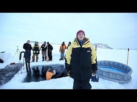 Australische Antarktis-Expeditionsteilnehmer feiern ...