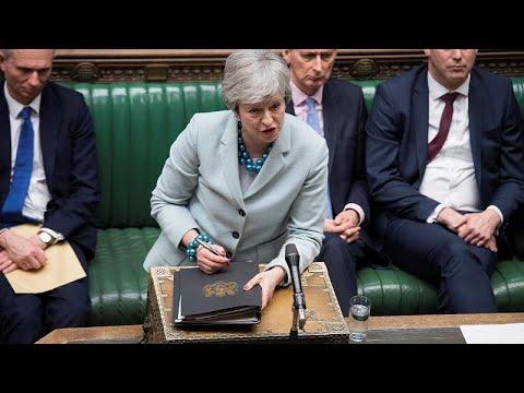 "Video - 'Εχασε το ""τιμόνι"" του Brexit η Μέι"