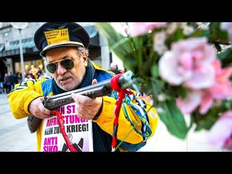 Proteste: Sicherheitskonferenz in München - viele Grü ...
