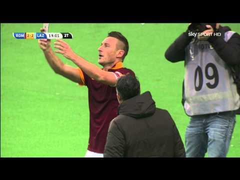 selfie di totti dopo il gol pazzesco roma lazio 2-2