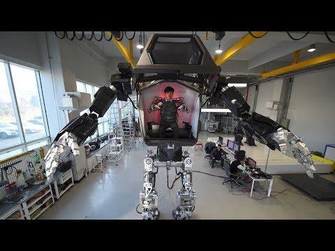 Mies sisään ja ei kuin liikkeelle – Valtava robotti!