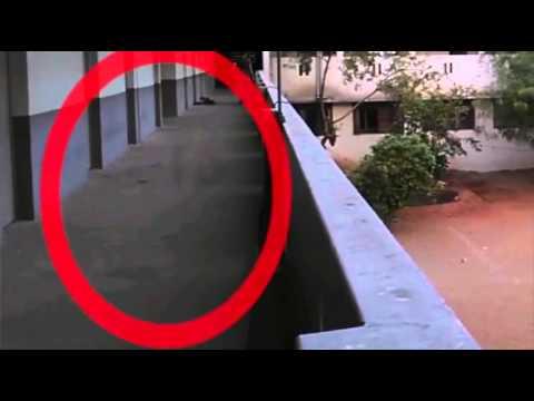 Video Penampakan Hantu Suster Ngesot di RS terekam CCTV download in MP3, 3GP, MP4, WEBM, AVI, FLV January 2017