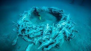 Video 10 Amazing Things Discovered Underwater MP3, 3GP, MP4, WEBM, AVI, FLV Juli 2019