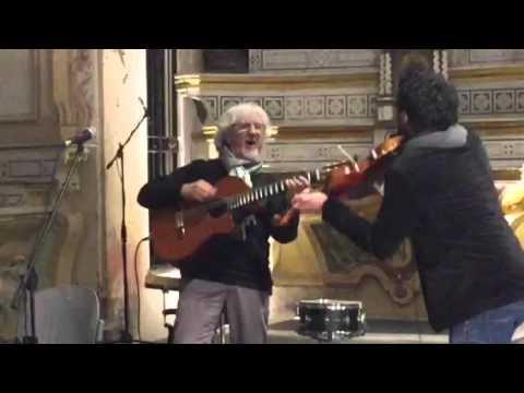 Davide Laura, l'artista di strada che ha acceso Sanremo con il suo violino