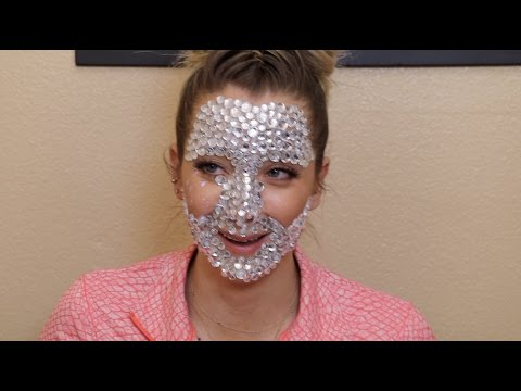 A Full Face Of Rhinestones (видео)