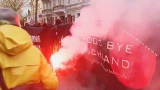 Полиция Гамбурга приняла эстафету у штутгартских коллег и разогнала демонстрацию