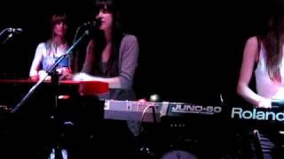 Au Revoir Simone - Shadows (Live - Dallas, TX)