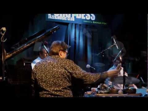 Peter Madsen´s CIA Trio online metal music video by PETER MADSEN