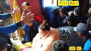 Video Detik-Detik Petugas Evakuasi Wanita BerBobot 350 Kg.! Rumah Titi Wati DiBongkar?? MP3, 3GP, MP4, WEBM, AVI, FLV Februari 2019
