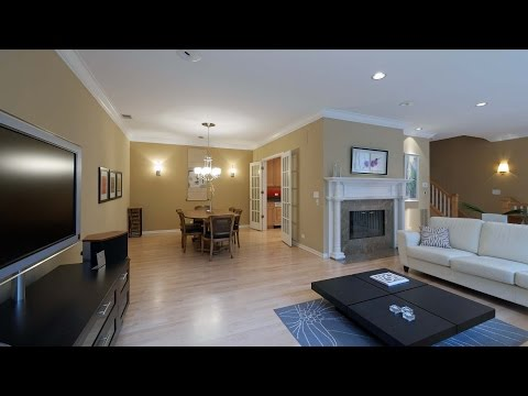 Rent a luxury Lincoln Park townhome at The Pointe