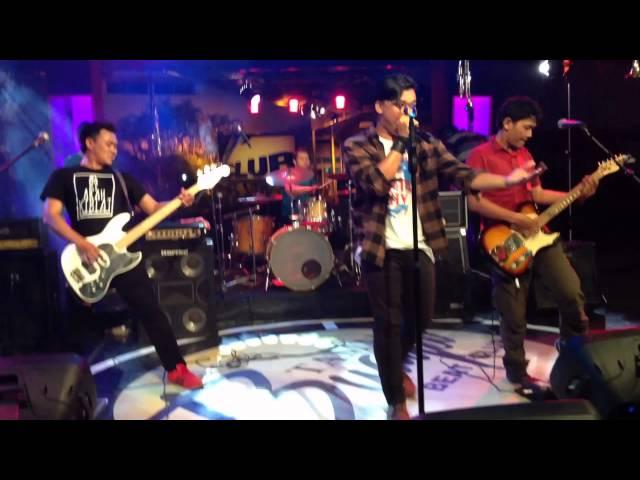 Traf Beda Itu Biasa Live Tvri | SenzoMusic.com