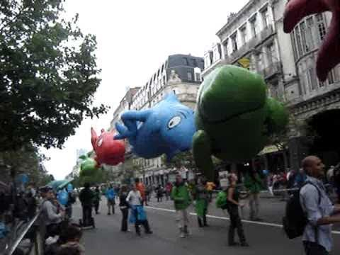 (12-09-2010) - 07 - Balloon's day parade 2010 - 07