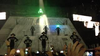 Beautiful People - Chris Brown (Paris - Carpe Diem Tour - 7 Dec. 2012) LIVE HD vip section