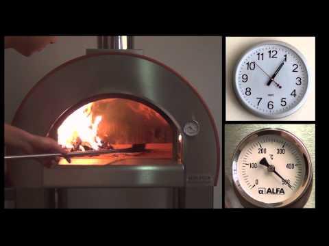 FORNO A LEGNA - seguici su Facebook! http://www.facebook.com/ALFAPIZZA http://www.alfapizza.it Oggi Alfa Pizza vi mostra l'accensione del 5 Minuti: in poco più di 350 second...