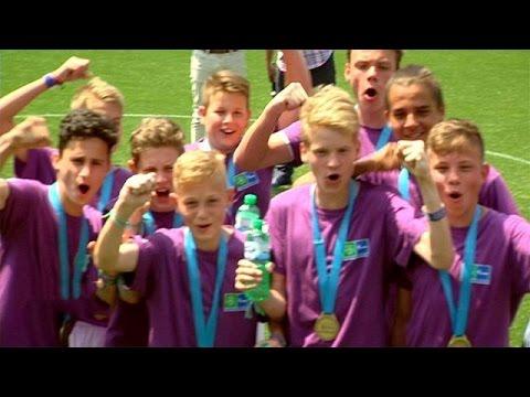 Football for Friendship: Το ποδόσφαιρο δίνει ελπίδα στα παιδιά – focus