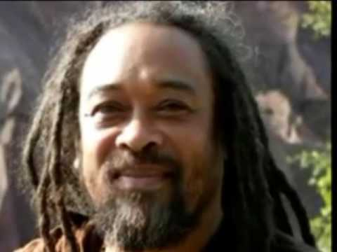 Mooji Video: Only One Question Can Take You to Awakening