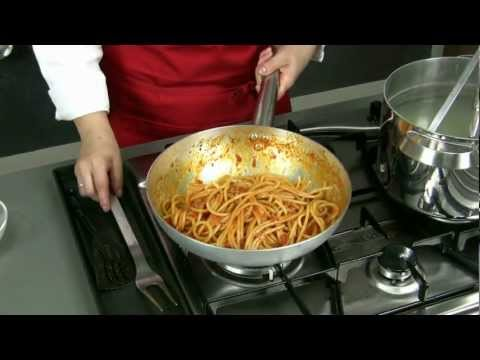 bucatini all'amatriciana -  ricetta