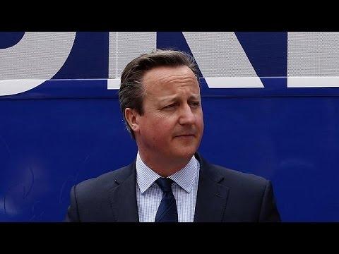 Μ.Βρετανία: Πιέσεις στον Κάμερον για διαφάνεια μετά την εμπλοκή του στα Panama Papers