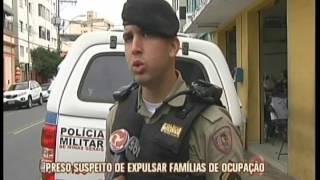 Além de ser suspeito de tráfico de drogas, o homem também teria expulsado famílias que vivam na Ocupação Vitória. Drogas e...