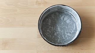 Tapisser un moule à gâteau