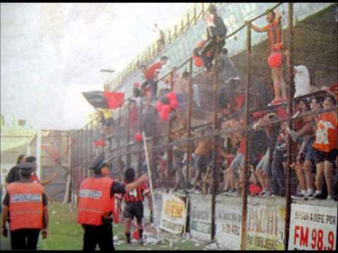 Vengo de un Barrio Rojo y Negro - La Barra del Dragón - Defensores de Belgrano