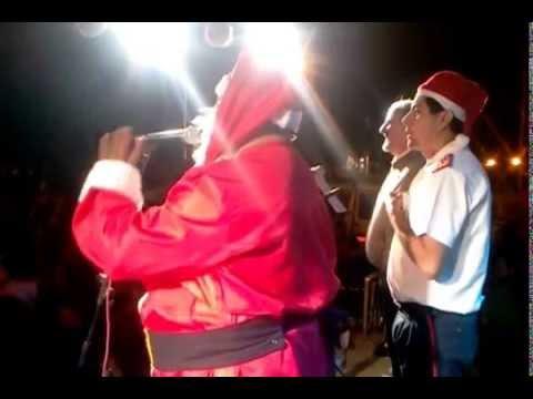 Papá Noel entrega autobomba a bomberos