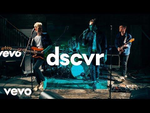VITAMIN - This Isn't Love - Vevo dscvr (Live)