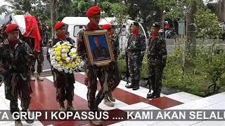 Video KOPASSUS BERDUKA   pemakaman jenazah (alm) Sandi Novian di TMP Kota banjar Jabar MP3, 3GP, MP4, WEBM, AVI, FLV Februari 2018