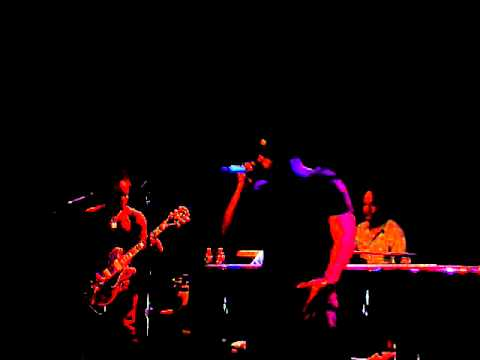 "The Roots & John Legend Perform ""Doin It Again"" @ Williamsburg Music Hall"