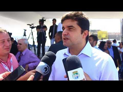Prefeito participa de assinatura de contratos no Porto de Maceió