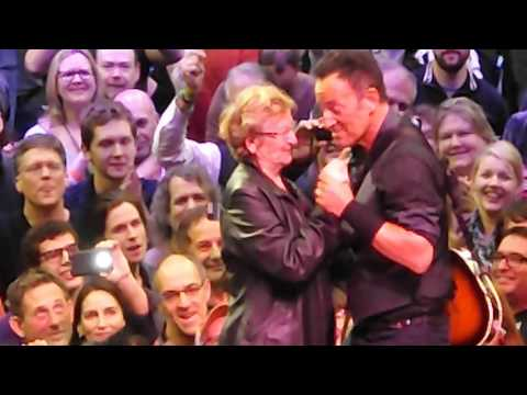 89 Year Old Granny Dances With Bruce Springsteen on Stage!