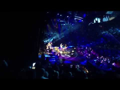 , Albert Lee, & Keith Urban Tumbling Dice & Setting Me Up Crossroads 2013