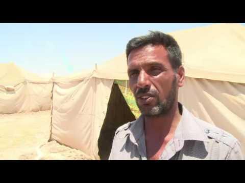 """Гладуващи иракчани рискуват всичко, за да избягат от контролирания от """"Ислямска държава"""" град Фалуджа. 30 май 2016"""