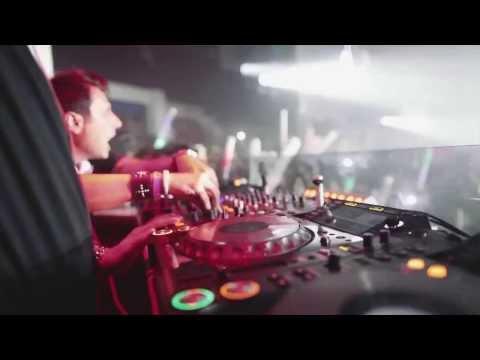 Daddy's Groove ft. Mindshake - Surrender (Complete DJ's Extended Hook 1st) [HD] sample