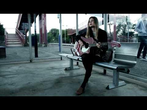 Tekst piosenki Nina Nesbitt - The A Team (Ed Sheeran cover) po polsku