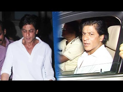 Shah Rukh Khan's Night Out With Friends At A Resta