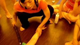 妍姿經絡瑜珈輪棒瘦手臂方法