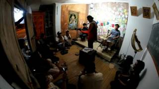 Tour Gerilya Ary Juliant and Folk ( 02 - Blues Kumaha Aing ) #FOLKNIGHT2016 #LOGSANSKRIT #YOGYAKARTA