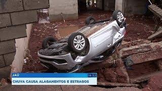 Temporal causa alagamentos e arrasta carro em Jaú