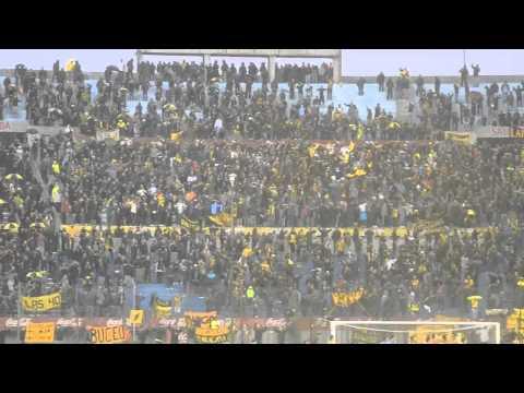 Final del partido bajo lluvia - Hinchada Peñarol vs. Juventud - Barra Amsterdam - Peñarol
