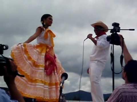 CHILENAS OAXAQUEÑAS GUELAGUETZA 2010
