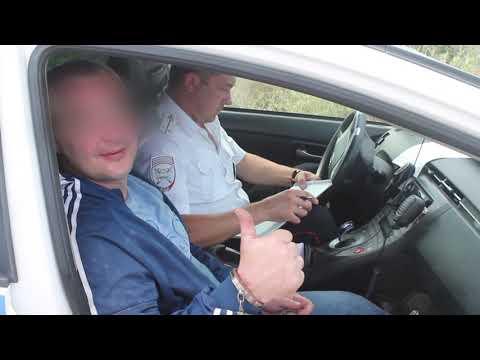 В Крыму задержан нетрезвый водитель внедорожника, который оказал противодействие полиции и протаранил патрульный автомобиль